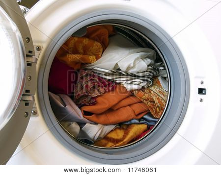 Washing Machine With Colored Clothes