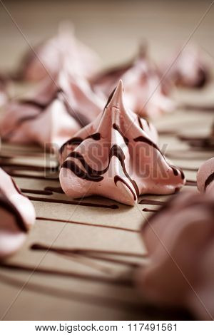 Pink meringues for Valentine´s Day