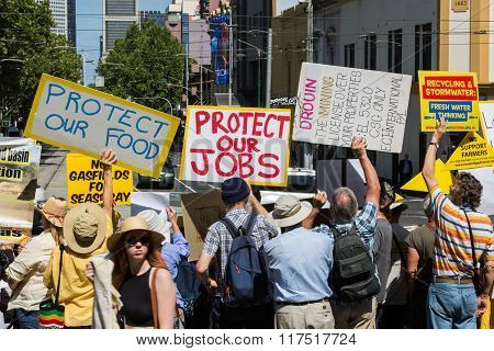 Anti Coal Seam Gas Protesters March Onto Parliament House