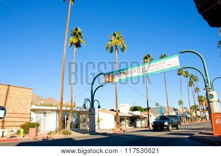 :Driving on Palm Canyon Dr in Palm Spring California USA