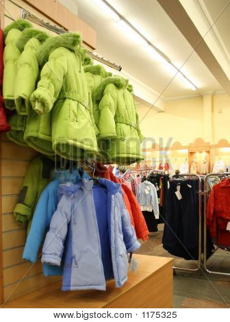 Kind Jaket In winkel