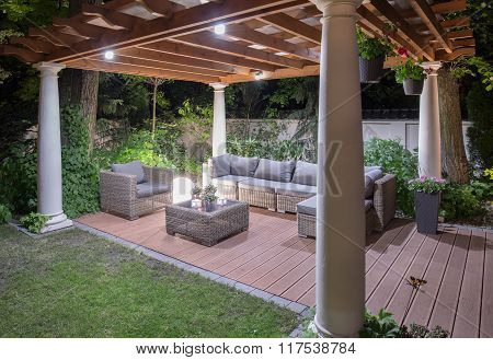Stylish Modern Arbour