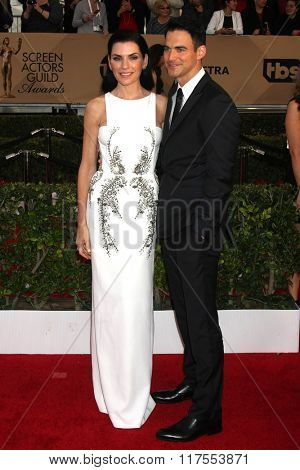 LOS ANGELES - JAN 30:  Julianna Margulies at the 22nd Screen Actors Guild Awards at the Shrine Auditorium on January 30, 2016 in Los Angeles, CA