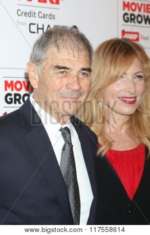 LOS ANGELES - FEB 8:  Robert Forster at the 15th Annual Movies For Grownups Awards at the Beverly Wilshire Hotel on February 8, 2016 in Beverly Hills, CA