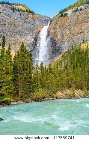 Takakkaw Falls in Yoho National Park, British Columbia, Canada.
