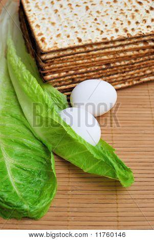 Matzot, Eggs And Lettuce