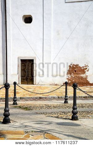 Italy  Lombardy     The Santo Antonino  Old     Tower Step    Wall