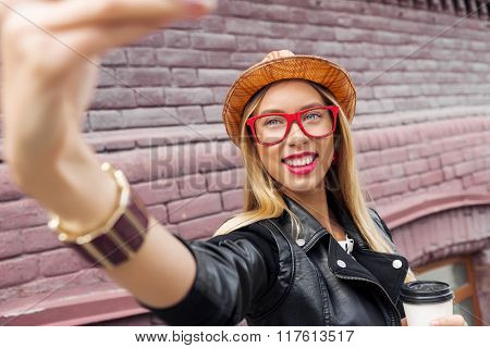 Girl visiting tourist attractions