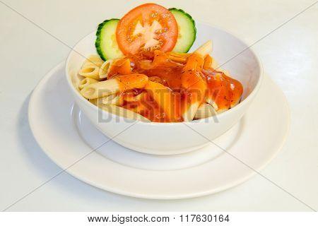 Tomato sauce and pasta