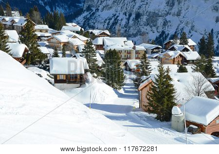 Muerren, famous Swiss skiing resort