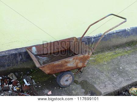 Wheelbarrow For Litter