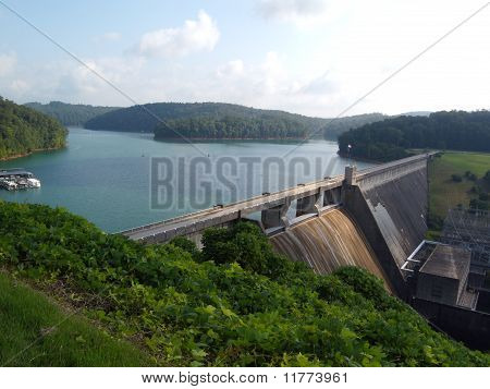 Norris Lake Dam in TN