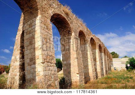Naharia aqueduct .