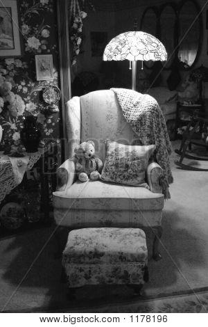 Victorian Living Room - B&W