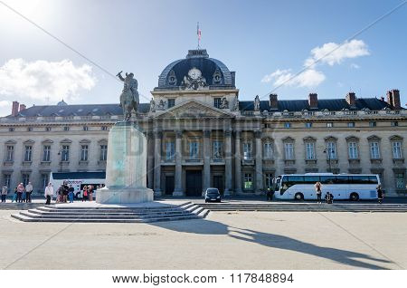 Paris, France - May 15, 2015: People Around Institute For Higher National Defence Studies(ihedn) In