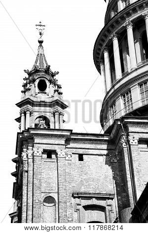 Column Old Architecture In Italy Europe Milan Religion       And Sunlight