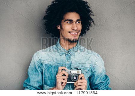 Modern Photographer.