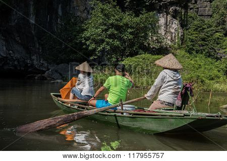 Tam Coc Scenic Tour