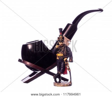 Figure of a hussar and Smoking pipe