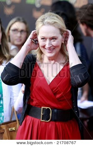LOS ANGELES - JUL 27:  Meryl Streep at the Special Screening of 'Julie & Julia' at the Mann Village Theater in Los Angeles, California on July 27, 2009