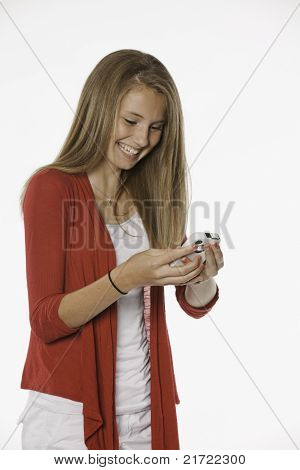 Rindo menina adolescente feminina e celular