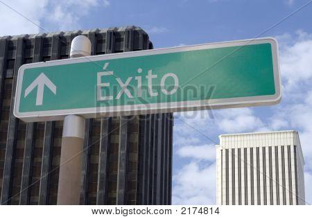 Exito Adelante