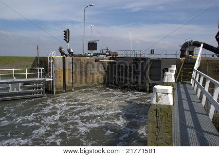 Sald Water Sill At Ship Lock
