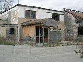image of loveless  - A broken down restaurant on its last legs - JPG