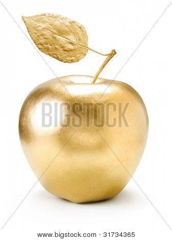 Goldene Apfel isoliert auf weißem Hintergrund.
