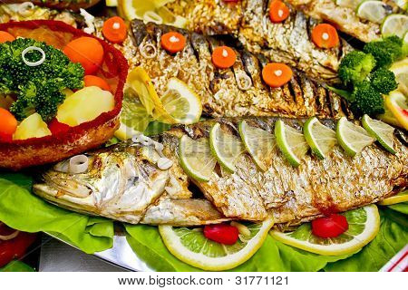 Vegetables and fish fried