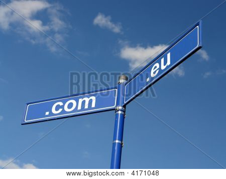 Com And Eu Domain Roadsign