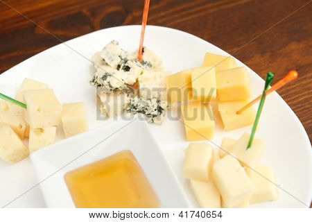 plate cheese