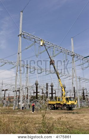 Repairing High Voltage Power Lines