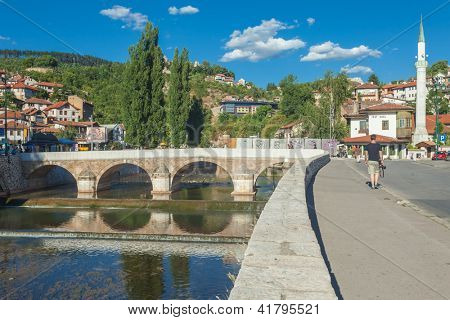 SARAJEVO, BOSNIA - AUGUST 12: Tourists near latin bridge on August 12, 2012 in Sarajevo, Bosnia. Sarajevo was named by Lonely Planet as one of the top 50