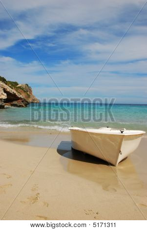 Dream Beach And Boat