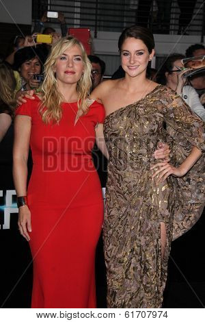 LOS ANGELES - MAR 18:  Kate Winslet, Shailene Woodley at the