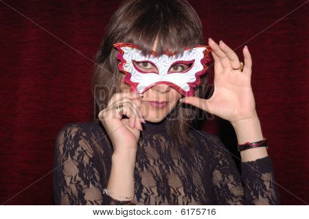 Frau im Karneval Maske