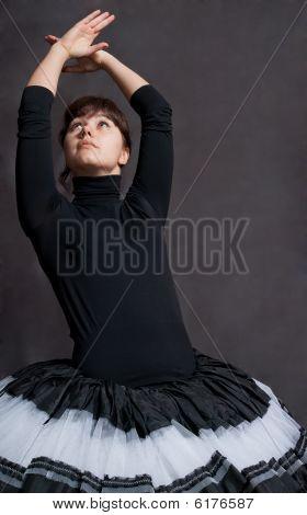 Bailarina en tutú blanco y negro
