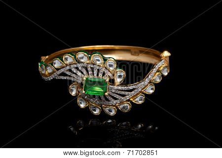 Gold and diamond bracelet