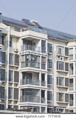 Edificio de apartamentos - vida urbana