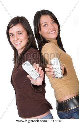 Mooie tieners tonen telefoons