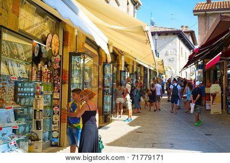 San Marino Shopping