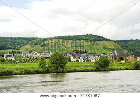 Ellenz Poltersdorf Village On Moselle Riverside