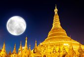 picture of yangon  - Shwedagon Pagoda and big moon in Yangon - JPG