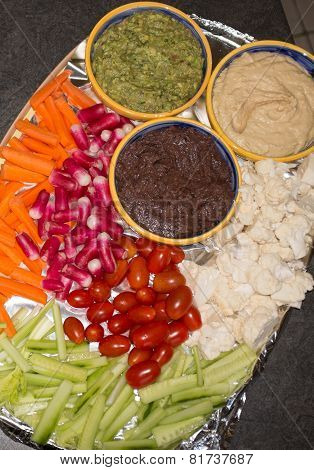 Vegetable Platter With Cauliflower, Celery, Tomatoes, Radish,  Carrot Sticks And Ranch Dip