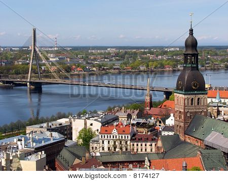Riga Old Town & Vansu Bridge