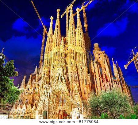BARCELONA, SPAIN - SEPTEMBER 02: Sagrada Familia,beautiful and majestic  outdoor  view .