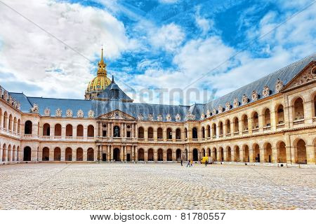 Courtyard Of  Les Invalides Hotel . Paris, France.