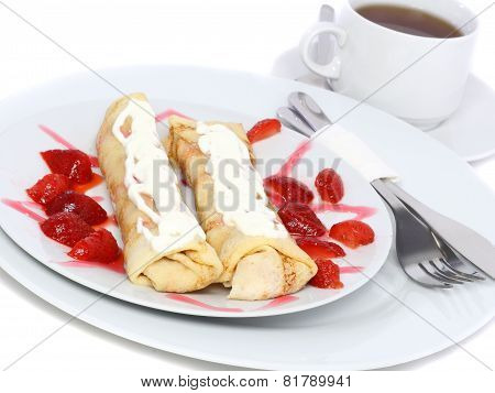 Pankcake With Cream , With Rolled Fruit Inside.