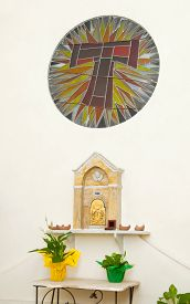 foto of tabernacle  - Tabernacle in a chapel of a church for the conservation of communions - JPG